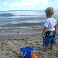 Chase watching the wave (7/24/10)